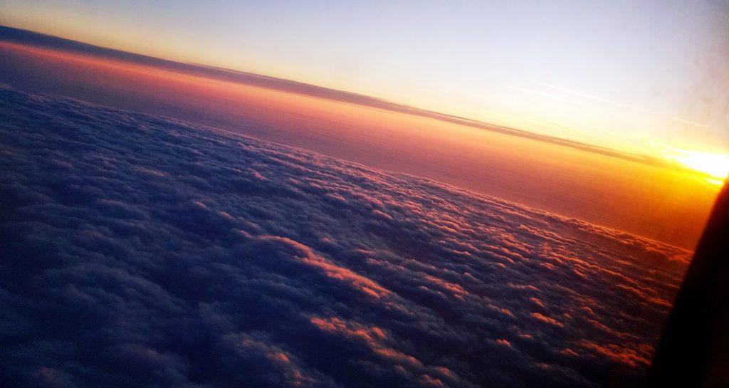 Východ slnka z lietadla